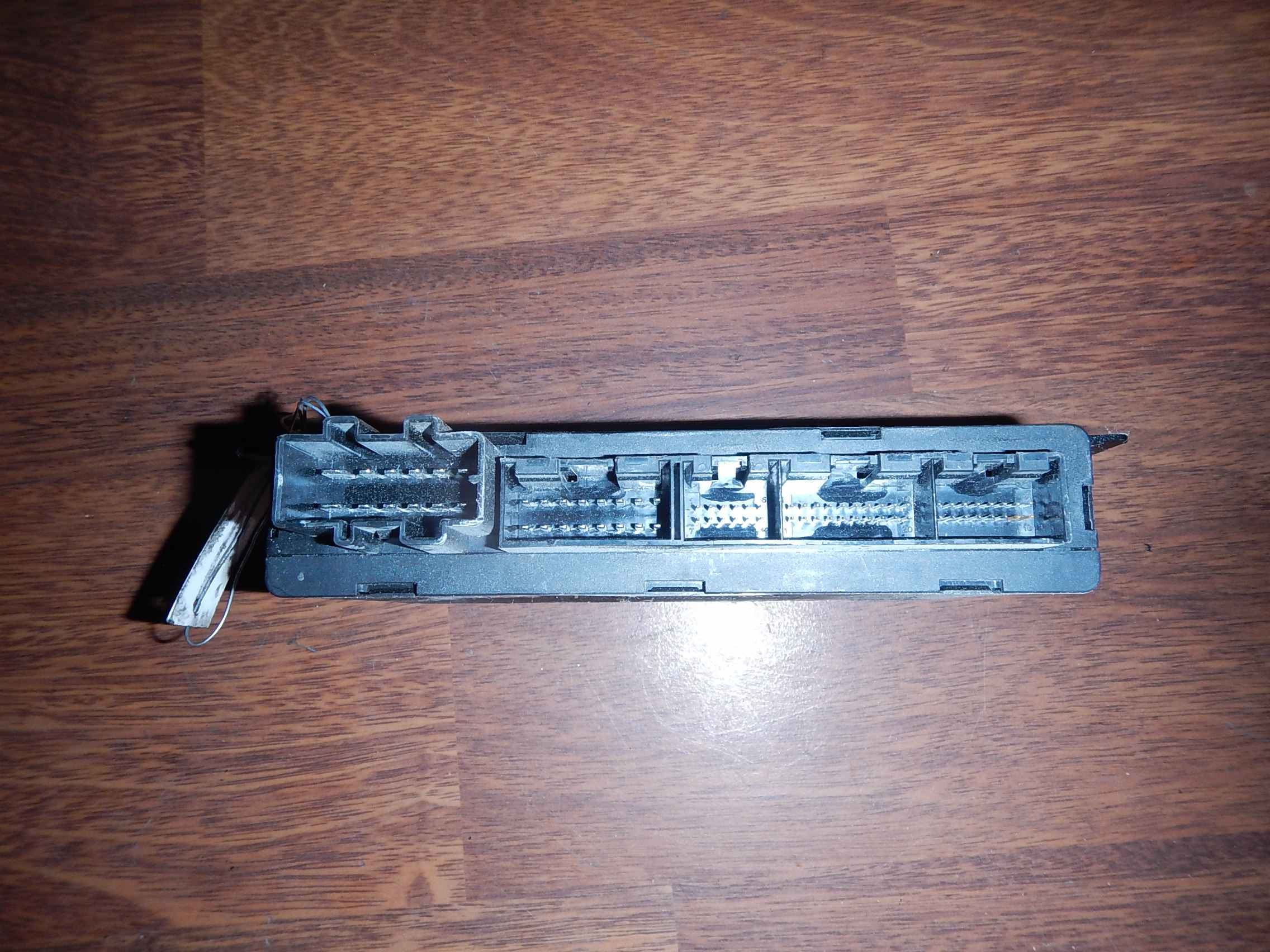 Audi-TT 8N-168457