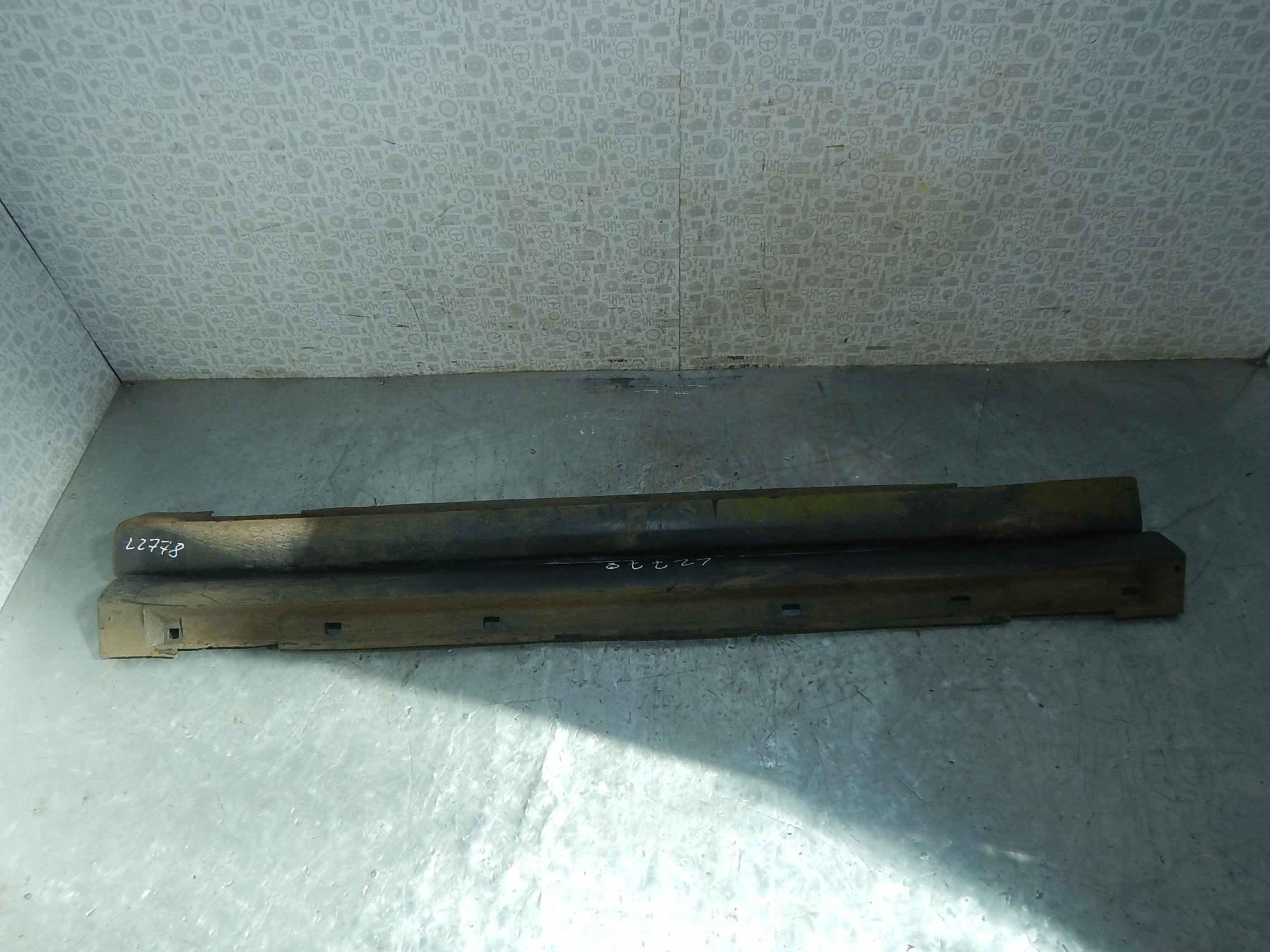 Накладка декоративная на порог левая Subaru Impreza 2 фото