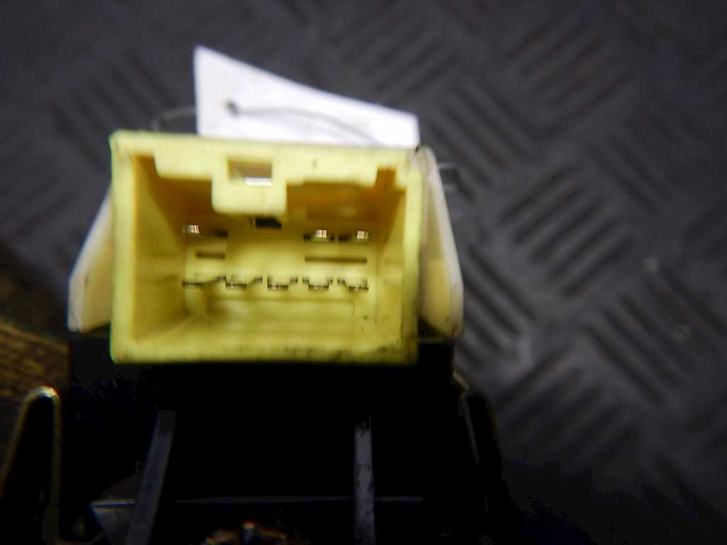 Кнопка стеклоподъемника Mitsubishi L200 3 318019 preview-3