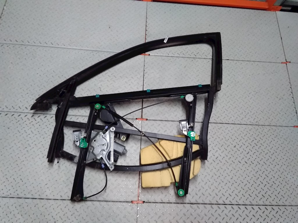 Стеклоподъемник электрический двери передней левой Audi A4 B5 фото