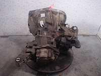Alfa Romeo-156-357378-photo-5