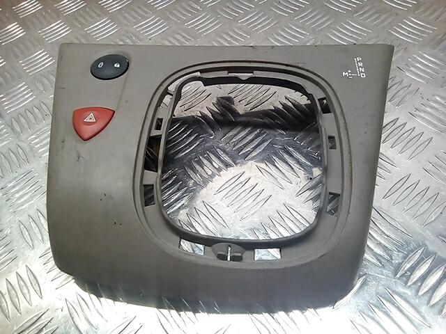 Кнопка аварийки Renault Scenic 2 фото