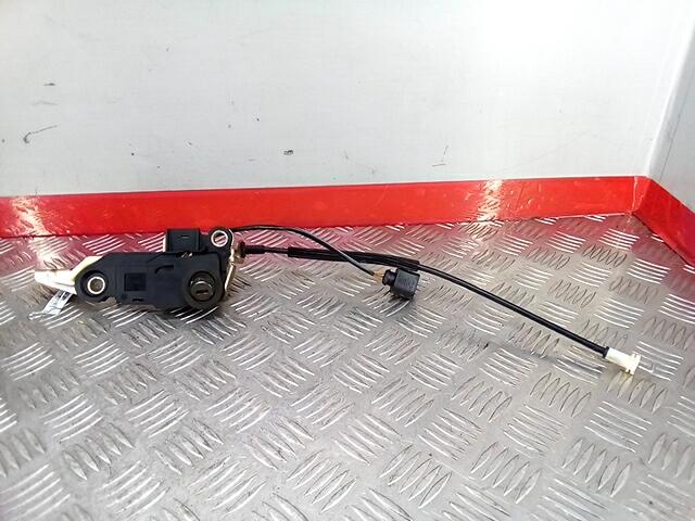 Личинка дверного замка Volkswagen Passat 5 GP фото