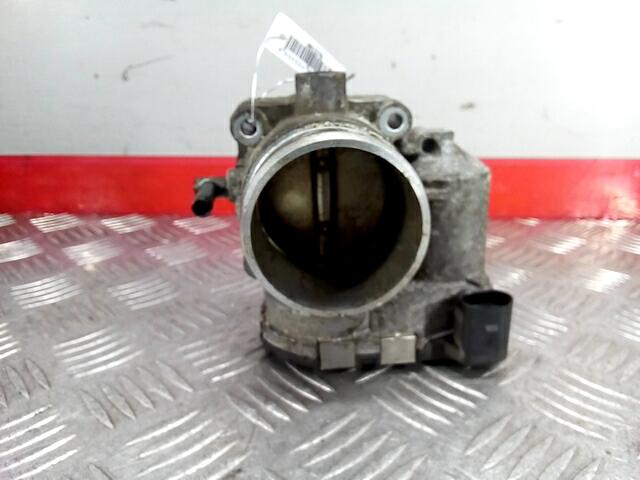 Заслонка дроссельная Skoda Octavia 1U фото