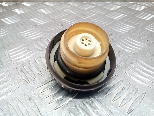 Крышка (пробка) топливного бака Daihatsu Terios 409231 preview-2