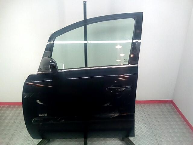 Дверь передняя левая Opel Zafira B фото