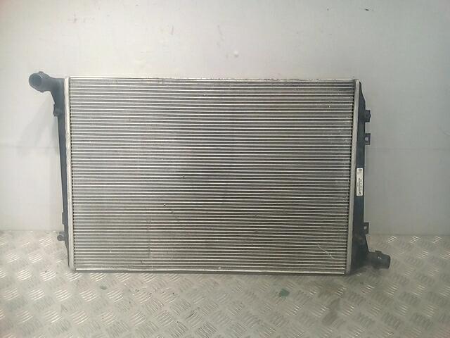 Радиатор основной Volkswagen Passat 6 фото