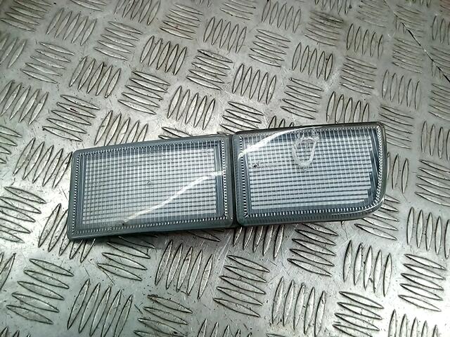 Катафот (отражатель) бампера правый Volkswagen Golf 3 фото