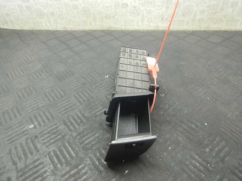 Бардачок (вещевой ящик) Hyundai Matrix 361536 preview-3