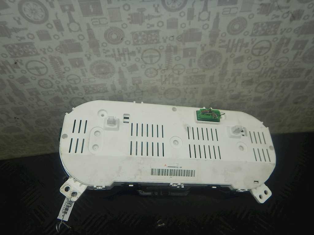 Щиток приборов (приборная панель) Suzuki Vitara2