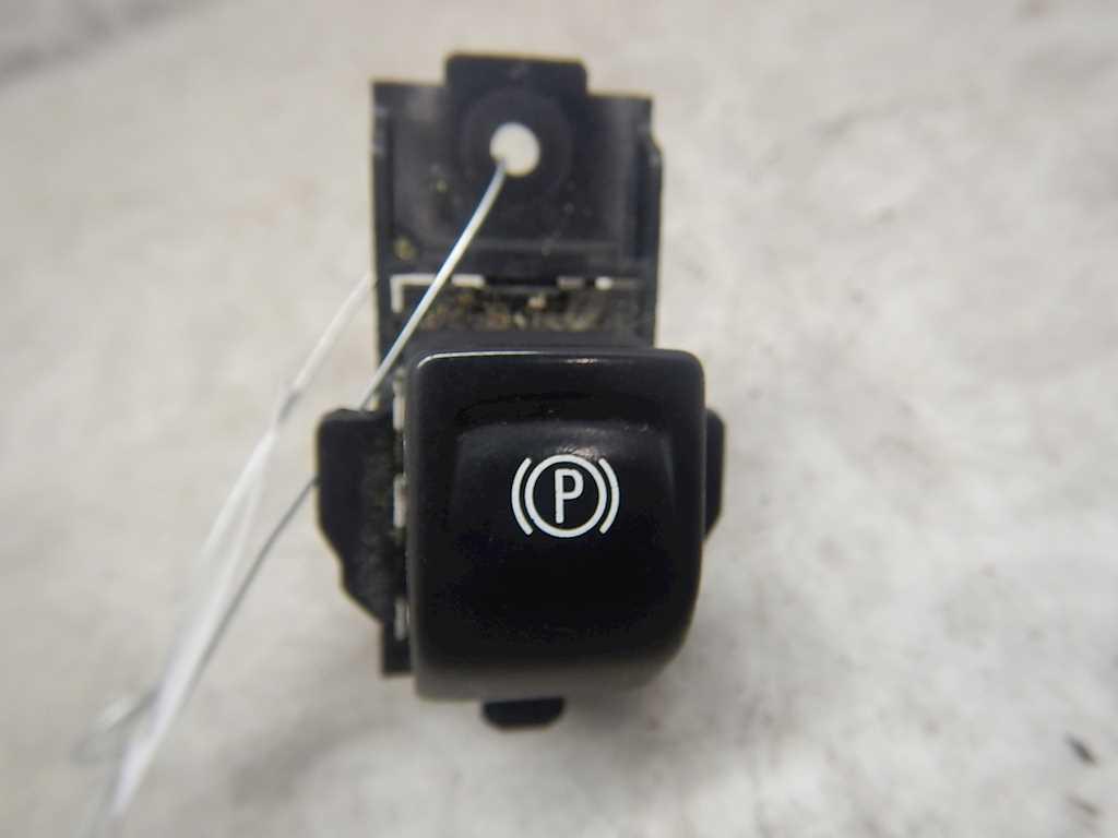 Кнопка ручника (стояночного тормоза) Opel Insignia фото