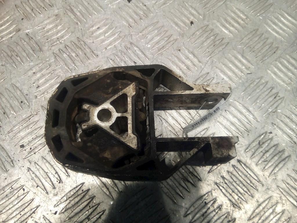 Подушка крепления КПП Ford Focus 2 фото