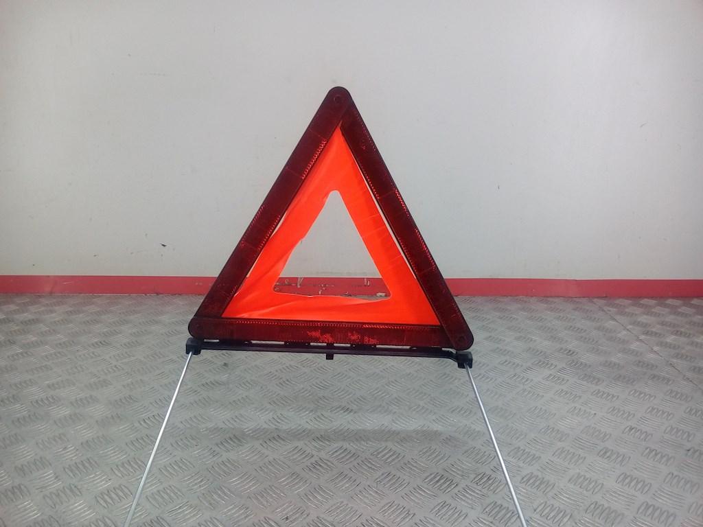 Знак аварийной остановки BMW 3 Series (E46) фото