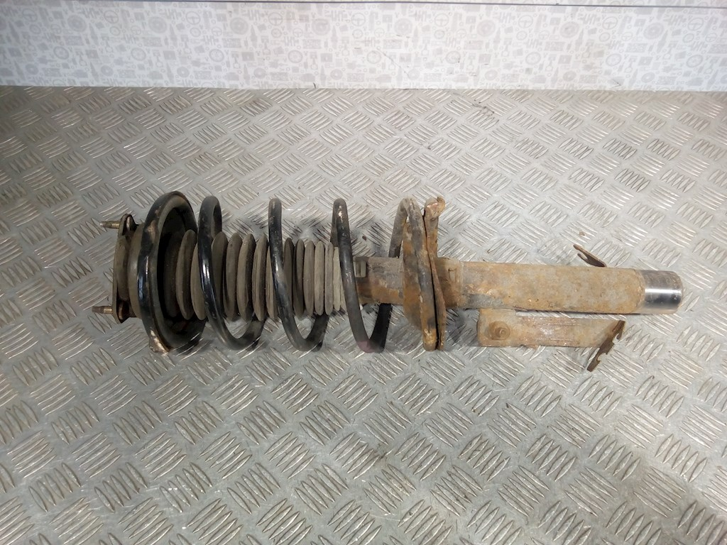 Стойка амортизатора переднего правого Ford Focus 1 фото