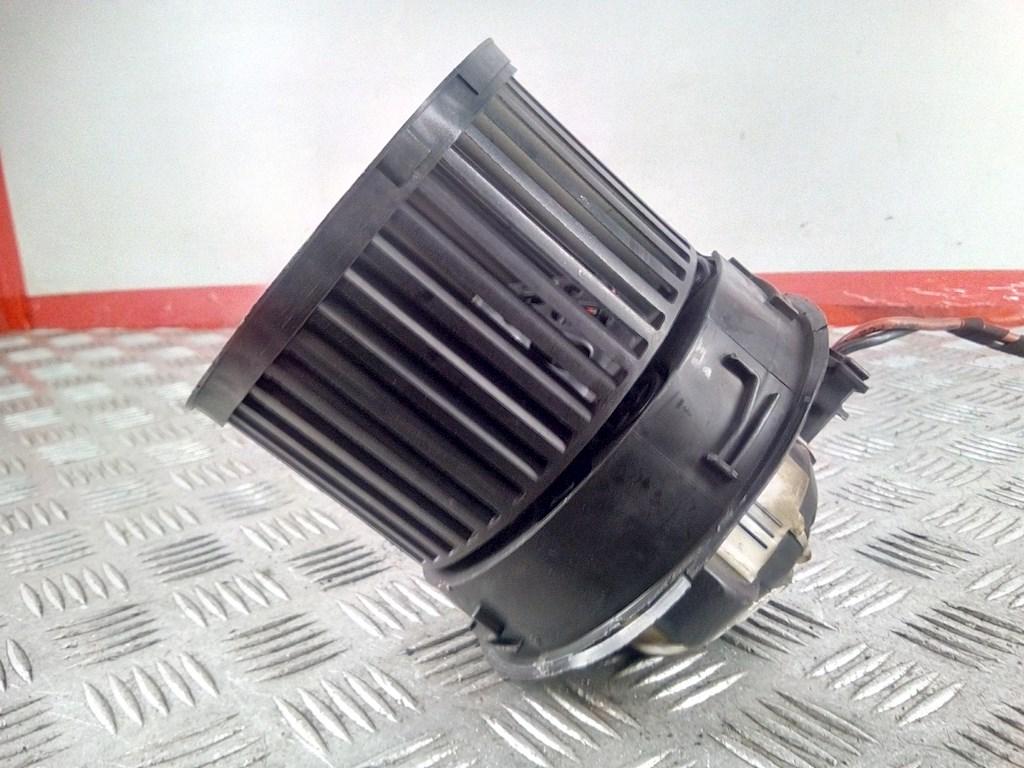 Моторчик (двигатель) печки