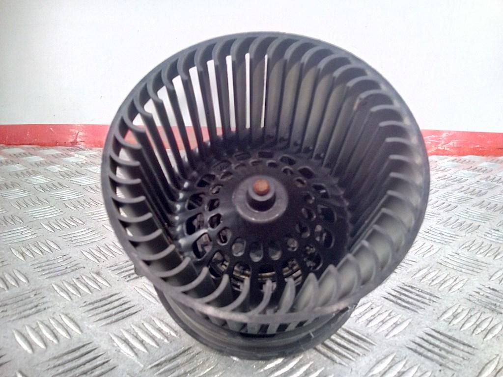 Моторчик (двигатель) печки Citroen C3 Picasso 479545 preview-2