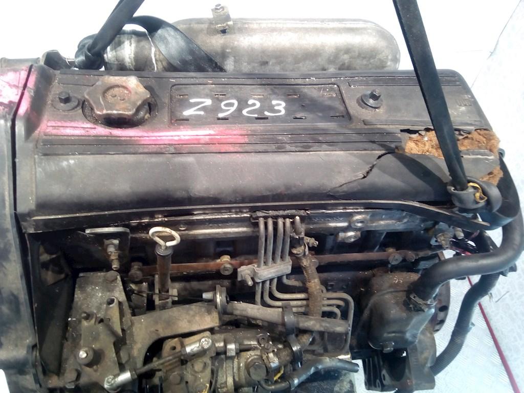 Двигатель (ДВС) Renault Trafic 1 фото